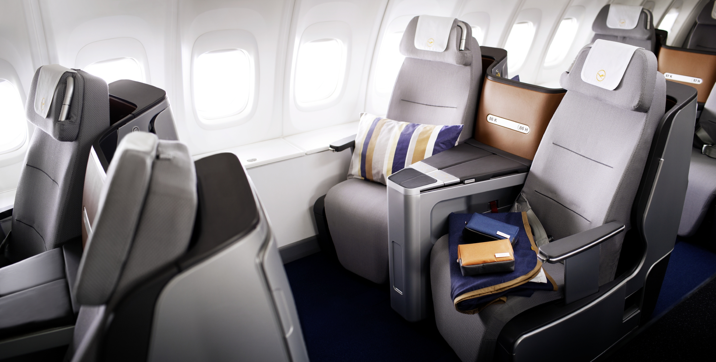 lufthansa from point a to. Black Bedroom Furniture Sets. Home Design Ideas