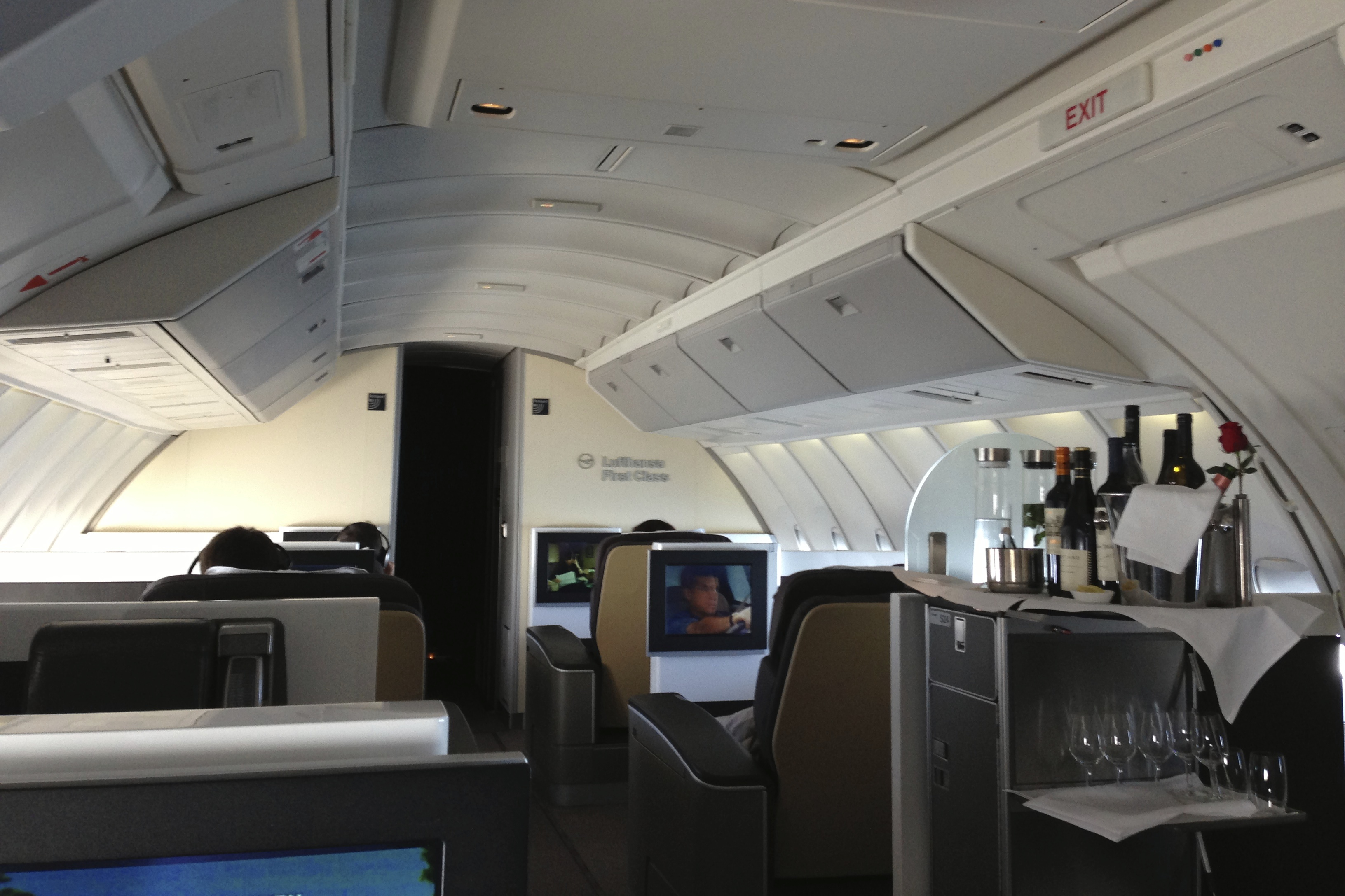 Lufthansa First Class Upper Deck 747-400