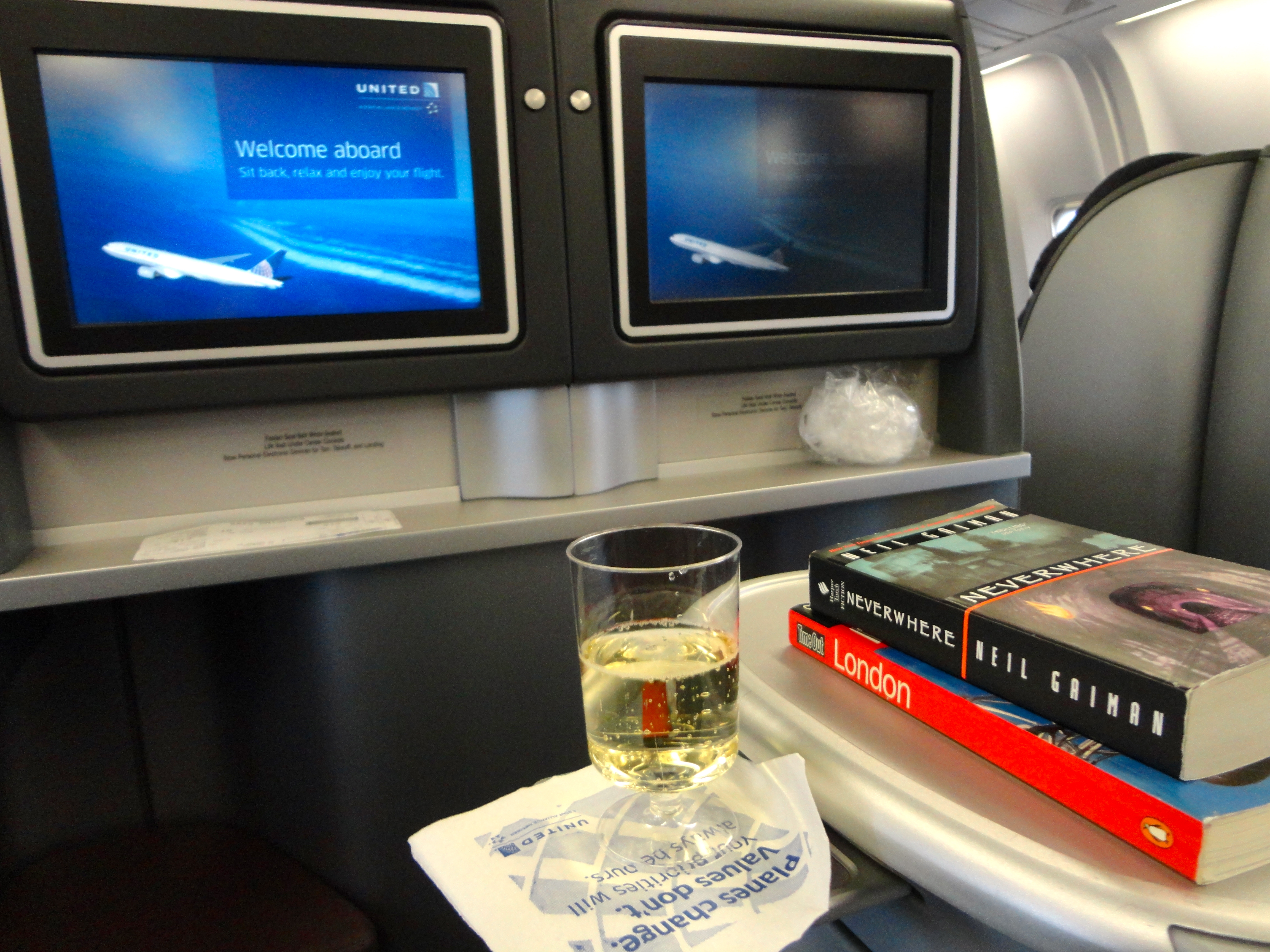 United Business Class In-Flight Entertainment
