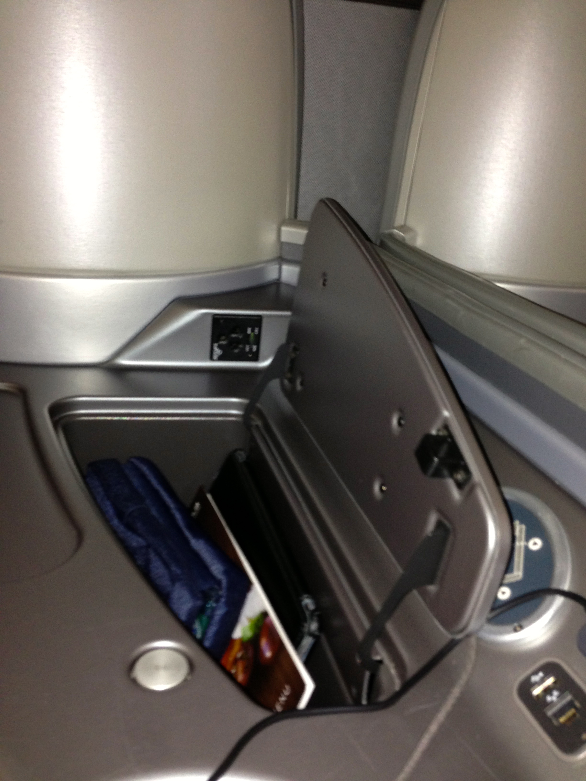 United First Class Seat Storage