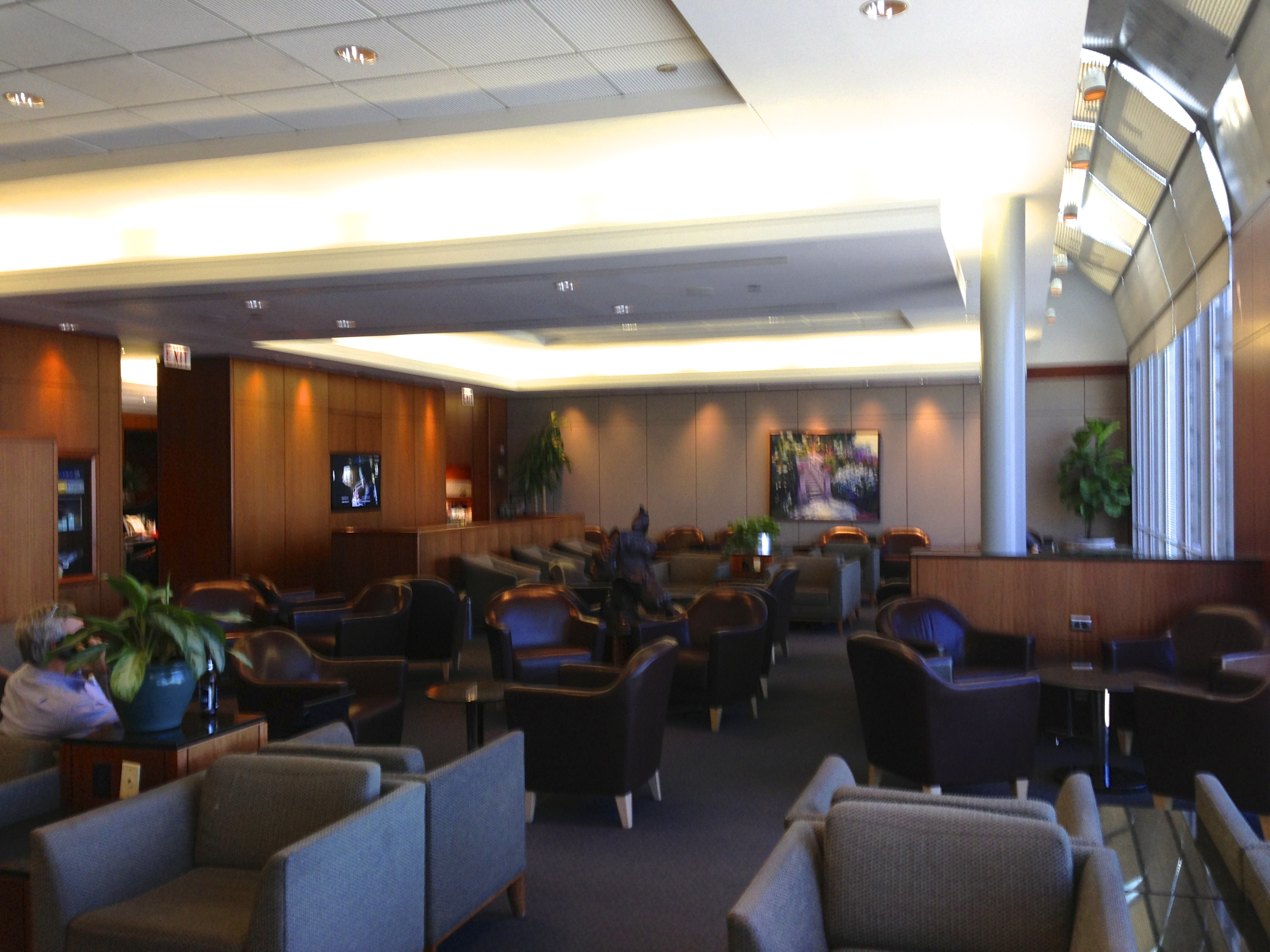 United Global First Lounge Chicago