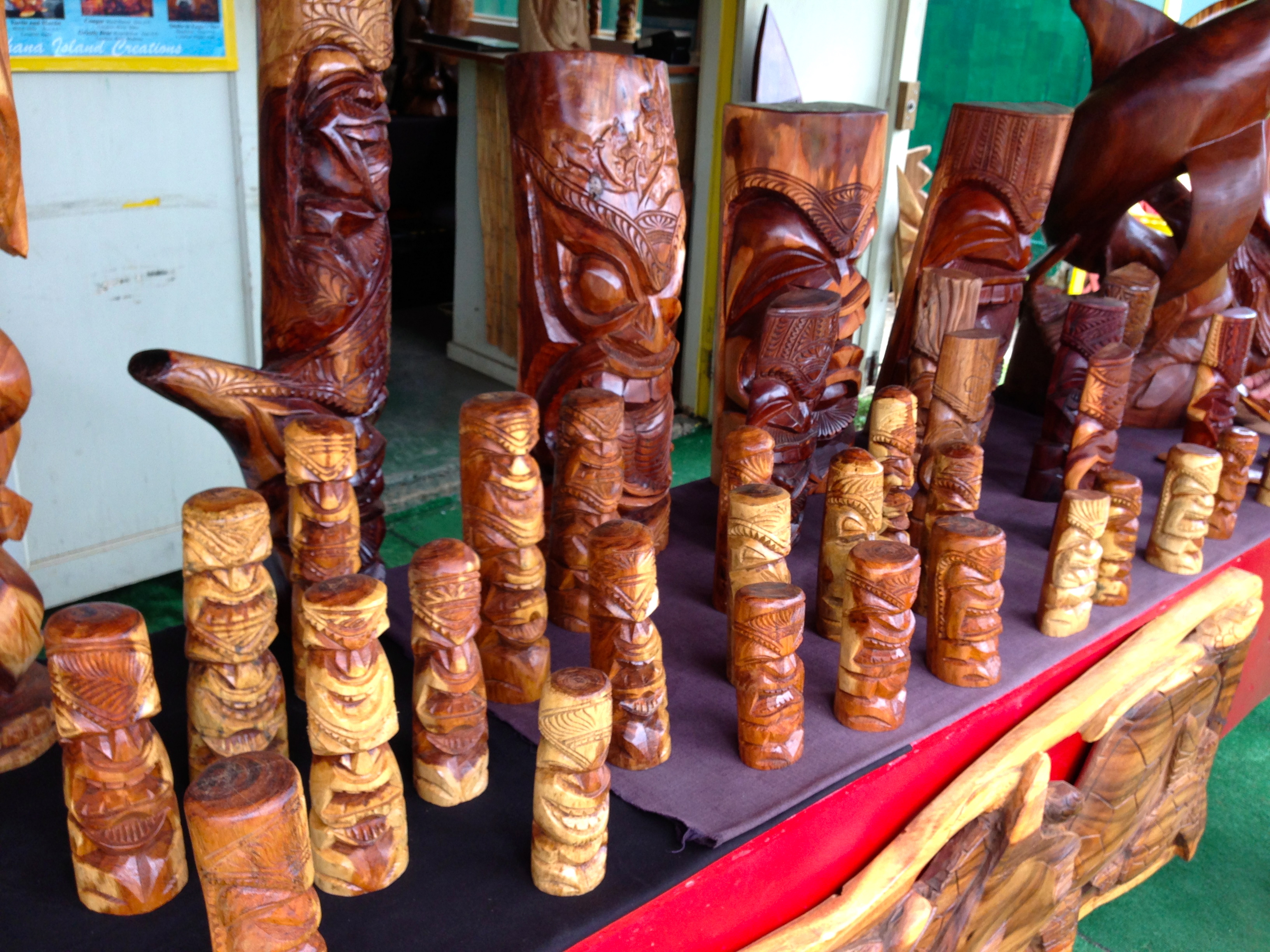 Oahu Spot Tours Carved Tiki Shop