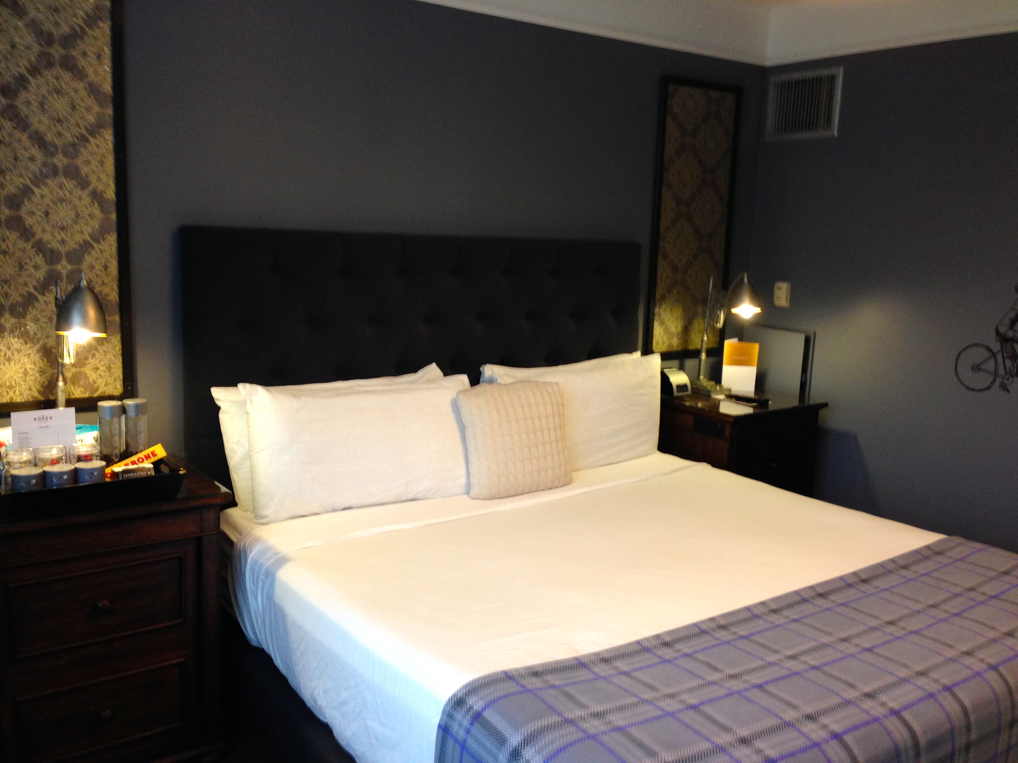 Hotel review the boxer boston boutique in beantown for Design hotel rooms