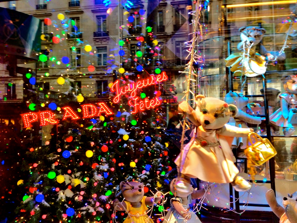 Galleries Lafayatte Christmas Store Window Display