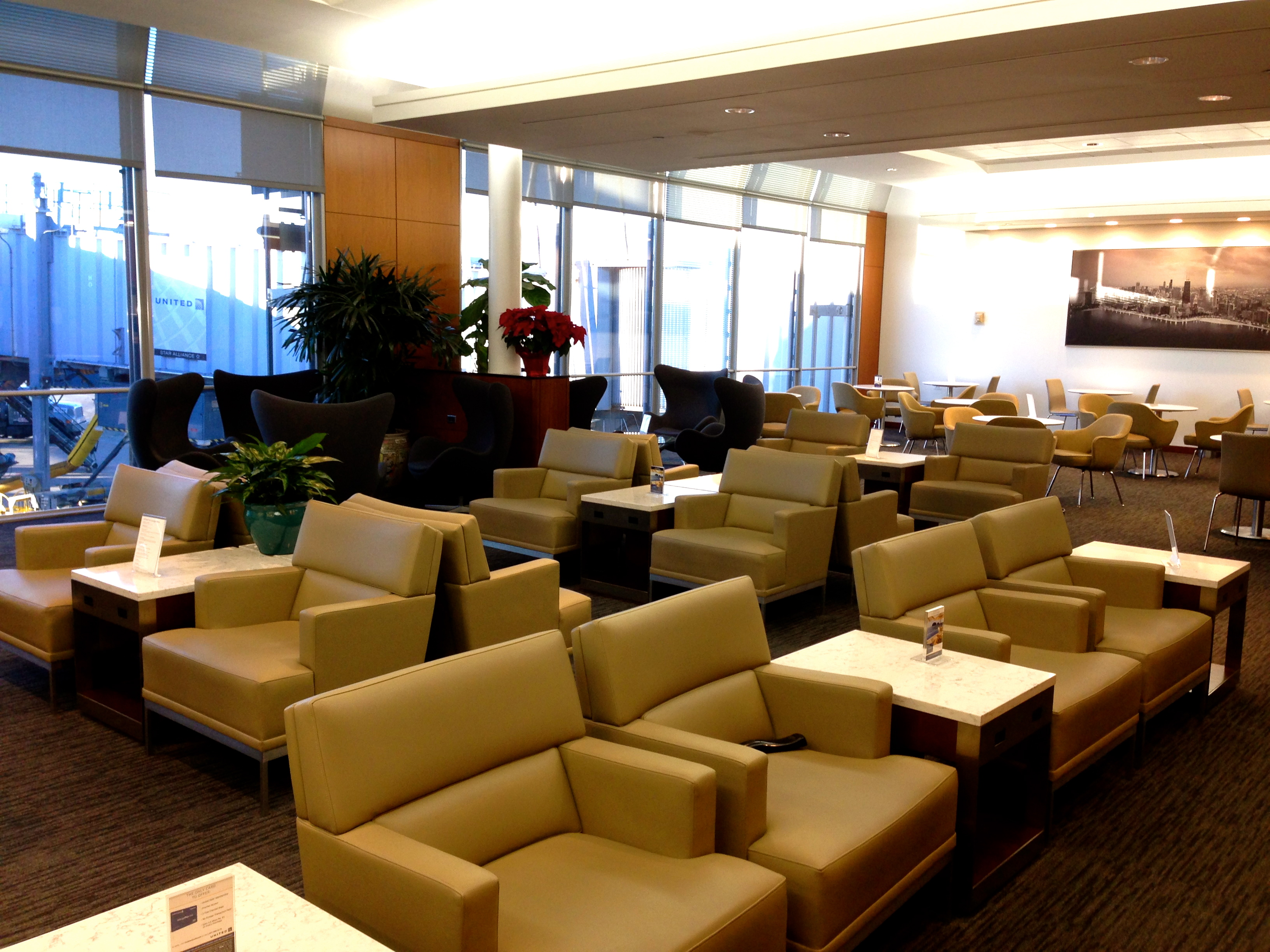 United Global First Class Lounge Chicago ORD O'Hare Airport New Lounge Design
