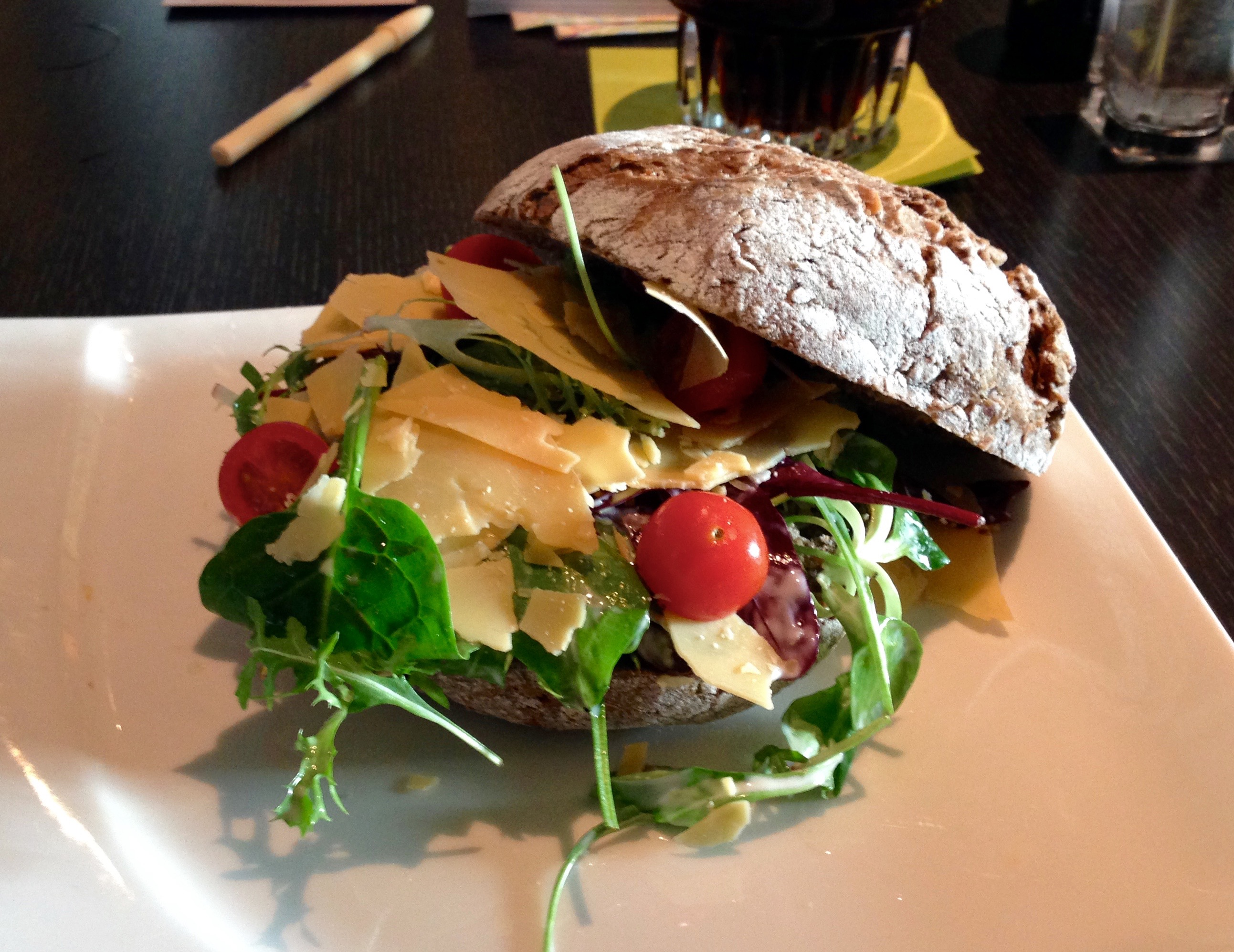 Doubletree by Hilton Amsterdam Centraal Station Lobby Bar Meal