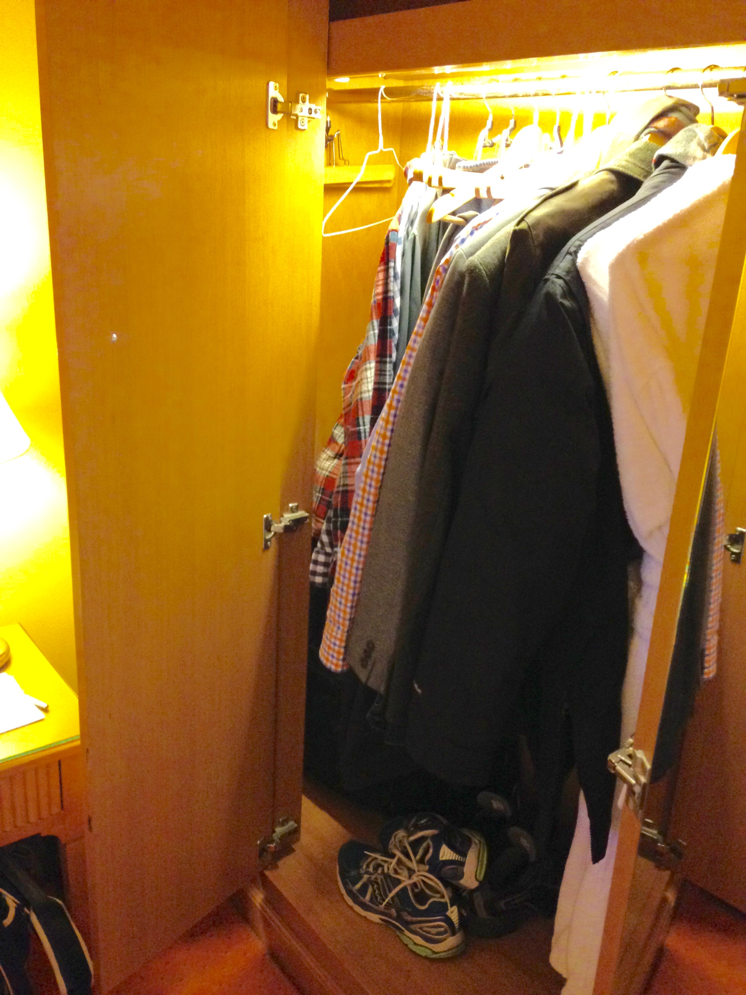 Hyatt Regency Paris Etoile Club Room Closet Space