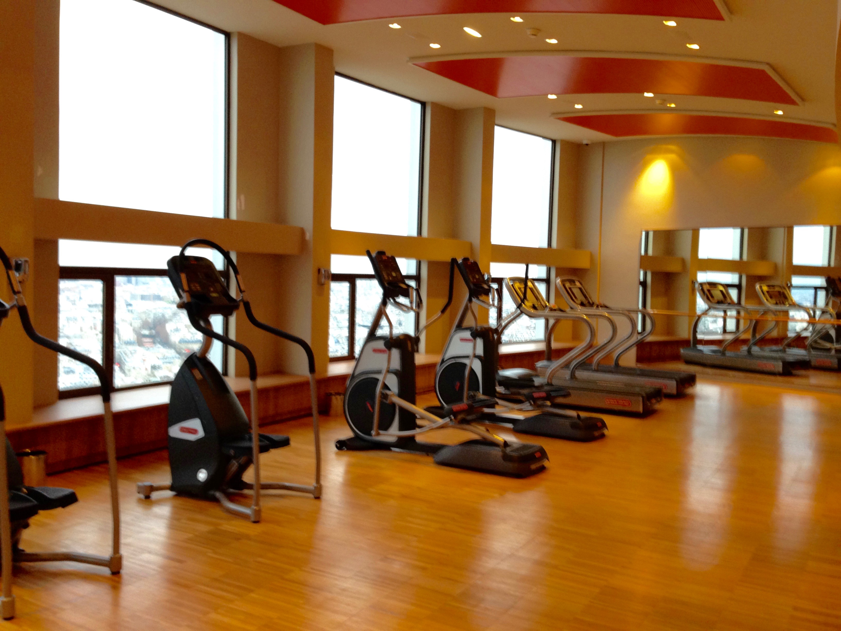 Hyatt Regency Paris Etoile Fitness Center