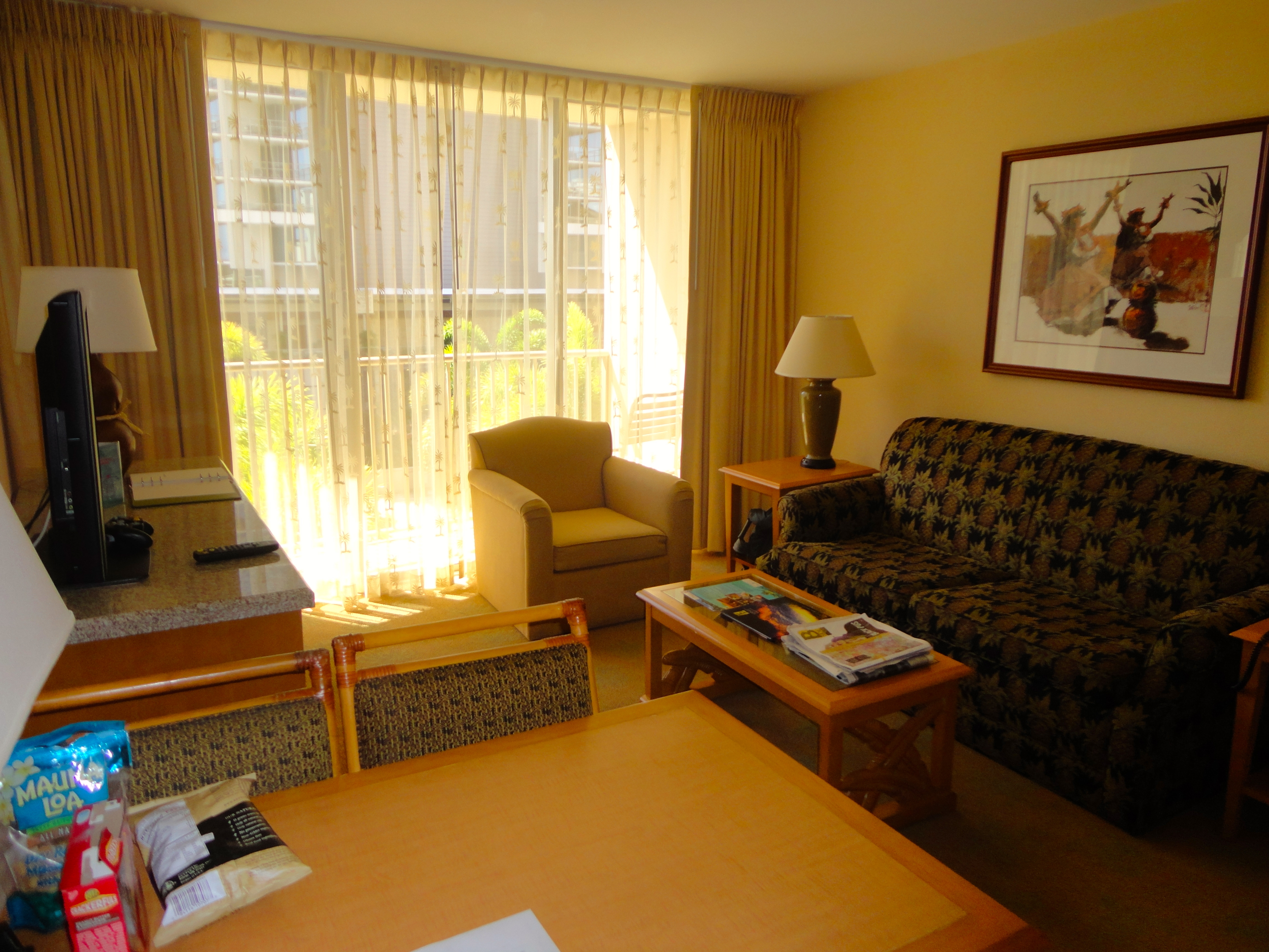 living room suites embassy suites waikiki walk hotel review a hula 10129